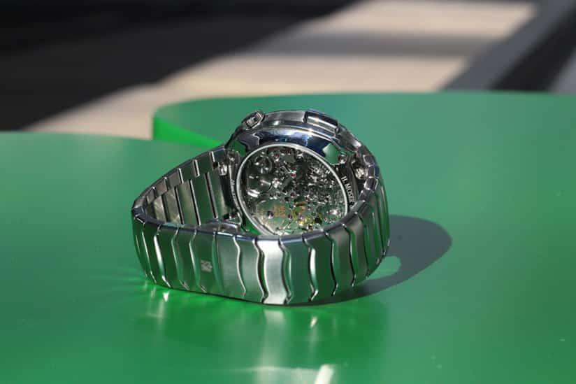 chronographs-bottom-03