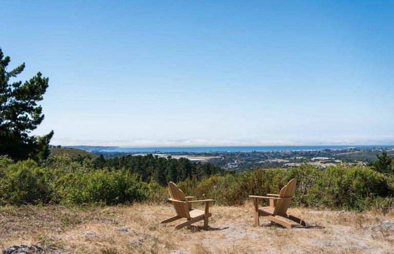 Vista overlooking the Pacific Ocean